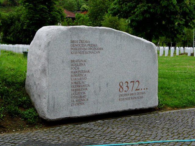 Srebrenica 8372...